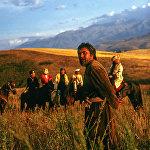 1989-жыл. Байдөбөтов атактуу акын Токтогулдун образын 40 жашында аткарган