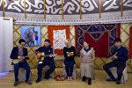 Британиялык белгилүү ырчы Жосс Стоун кыргызча ырдады. Боз үйдө тартылган видео