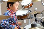 Шестилетний барабанщик покоряет соцсети своим мастерством — видео
