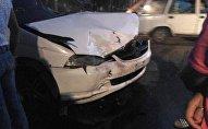 Бишкектеги Орозбеков жана Ленинград көчөлөрүнүн кесилишинде Honda Odyssey и Honda Fit унаалары кагышты