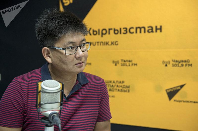 Директор крупной международной компании по взаимодействию с государственными и общественными структурами в России и СНГ Назим Турдумамбетов во время интервью