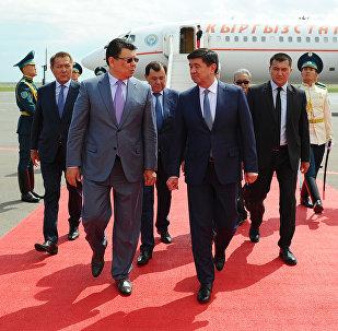 Премьер-министр КР Мухаммедкалый Абылгазиев прибыл в Астану, где примет участие в заседании Межправительственного совета