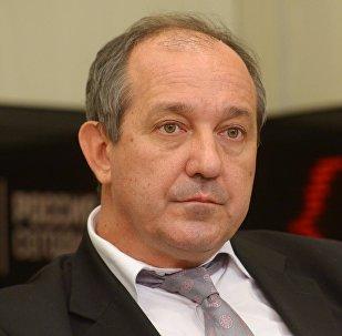 Заместитель директора Института стран СНГ Владимир Евсеев. Архивное фото