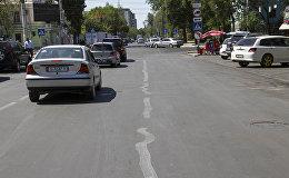 Дорожная разметка на пересечении проспекта Манаса и улицы Боконбаева в Бишкеке