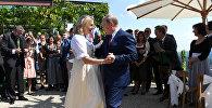 Президент РФ Владимир Путин на свадьбе МИД Австрии Карин Кнайсль