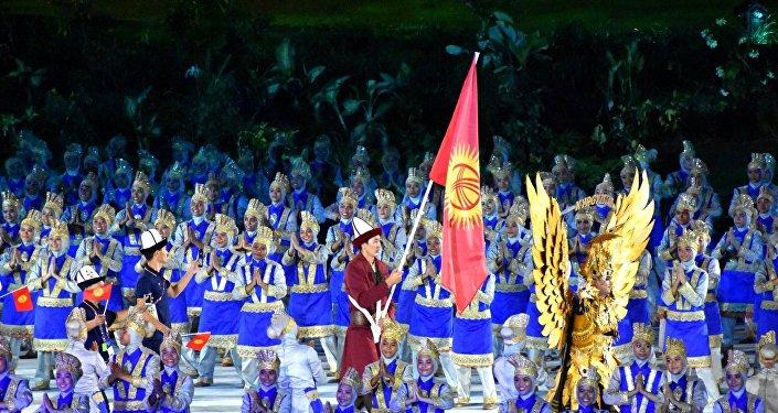 Спортчуларды Индонезиянын президенти Жоко Видодо менен Азия Олимпиада кеңешинин президенти Шейх Ахмад Фахад Аль-Сабах тосуп алды