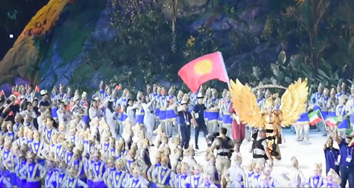 Жүрөк толкуйт! Азия оюндарында параддан өткөн кыргыз спортчулары видеодо