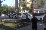 На пересечении улиц Токтогула и Тыныстанова в Бишкеке столкнулись два автомобиля. Архивное фото
