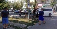 Борбордогу Токтогул жана Тыныстанов көчөлөрүнүн кесилишинде эки унаа кагышты