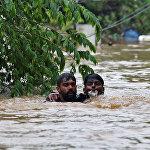 Индиянын түштүк Керала штатында 8-августтан бери катуу жааган жамгыр басылбай келет. Анын кесепетинен кеминде 324 адам көз жумду. Быйыл Индияда жер көчкү, сел жана катуу шамалдан улам 860тан ашык адам каза болду