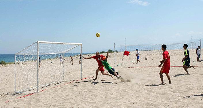 Спортивная площадка для футболка в Тосоре