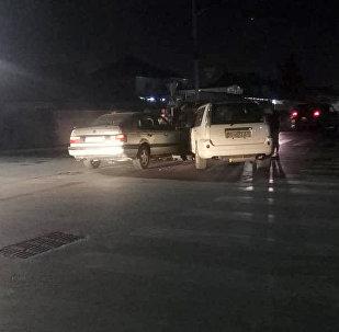 ДТП на пересечении улиц Орозбекова в Бишкеке