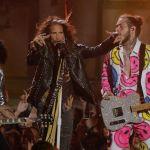 Джо Перри, Стивен Тайлер и Пос Малон во время выступления на MTV Video Music Awards