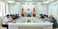 Президент Кыргызской Республики Сооронбай Жээнбеков принял членов Государственной комиссии