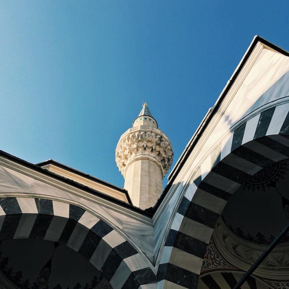 Япониянын борборундагы эң чоң Токио мечити. Ага 1200 адам батат