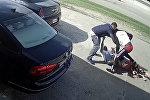 Американка и ее муж сошлись в схватке с грабителями за $ 75 тысяч. Видео