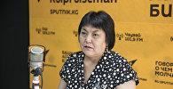 Бишкек шаардык мэриясынын Билим берүү башкармалыгынын башкы адиси Чынара Исакова. Архив