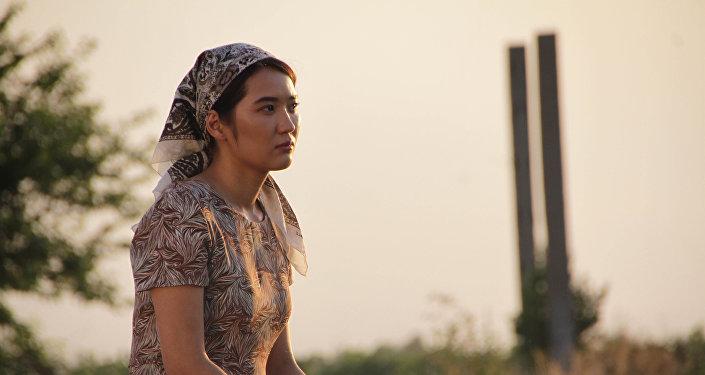 Актриса Мадина Талипбек в образе Асель на кыргызско-узбекском кинофильме Делбирим