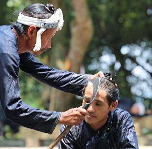 Серпом по волосам