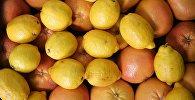 Продажа фруктов в одном из прилавков столичного супермаркета. Архивное фото