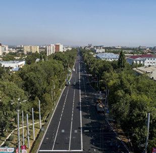 Вид на проспект Чингиза Айтматова Бишкека с высоты. Архивное фото
