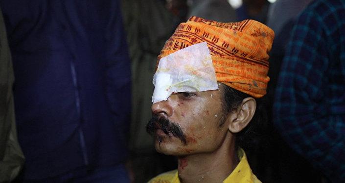 В Индии люди обращались в больницу после фестиваля метания камней