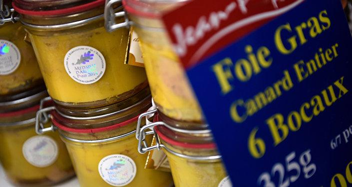 Фуа-гра — өрдөк же каз боорунан жасалчу эң кымбат паштет. Архивдик сүрөт