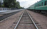 Платформа железнодорожного вокзала Бишкека. Архивное фото
