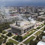 Токтогул Сатылганов атындагы улуттук филармонияда 30-августта өрт чыкты. Кырсыктын кесепетинен имараттын 5-кабатынын 200 чарчы метри күйүп кеткен. Тилсиз жоону өчүрүүгө беш унаа тартылган.