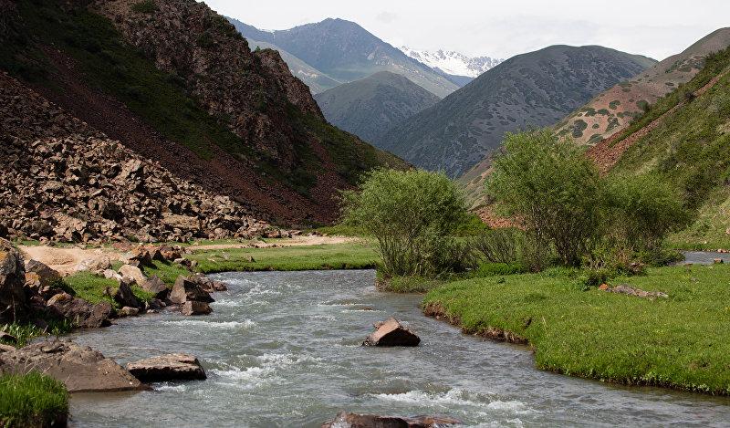 Речка Колмо в Кыргызстане