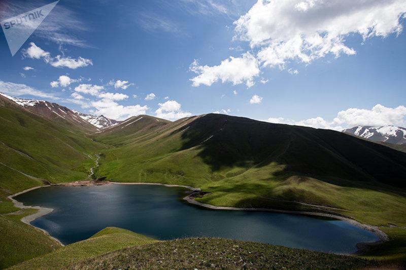 Озеро Сыры-Кол в Кыргызстане