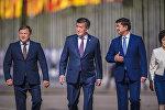 Архивное фото президента Сооронбая Жээнбекова, премьер-министра Мухаммедкалыя Абылгазиева и спикера Жогорку Кенеша Дастана Джумабекова