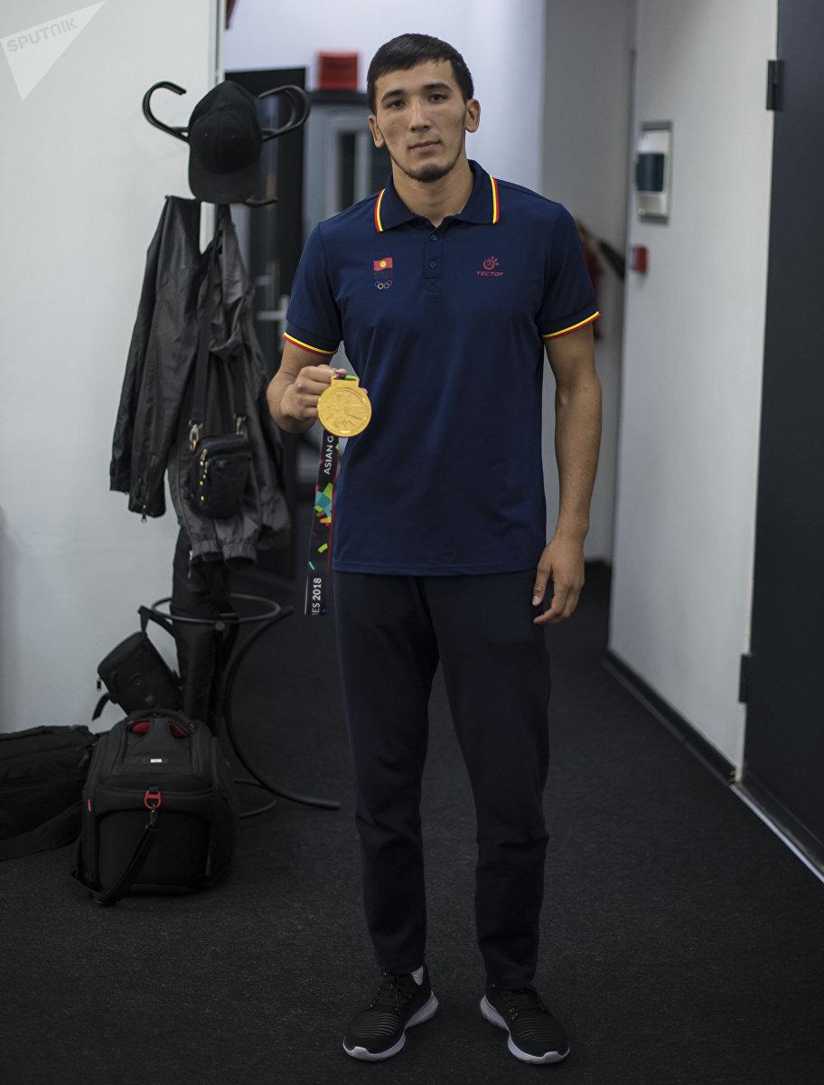 Кыргызстанский спортсмен Торохан Багынбай уулу, который завоевал золотую медаль по джиу-джитсу на Азиатских играх
