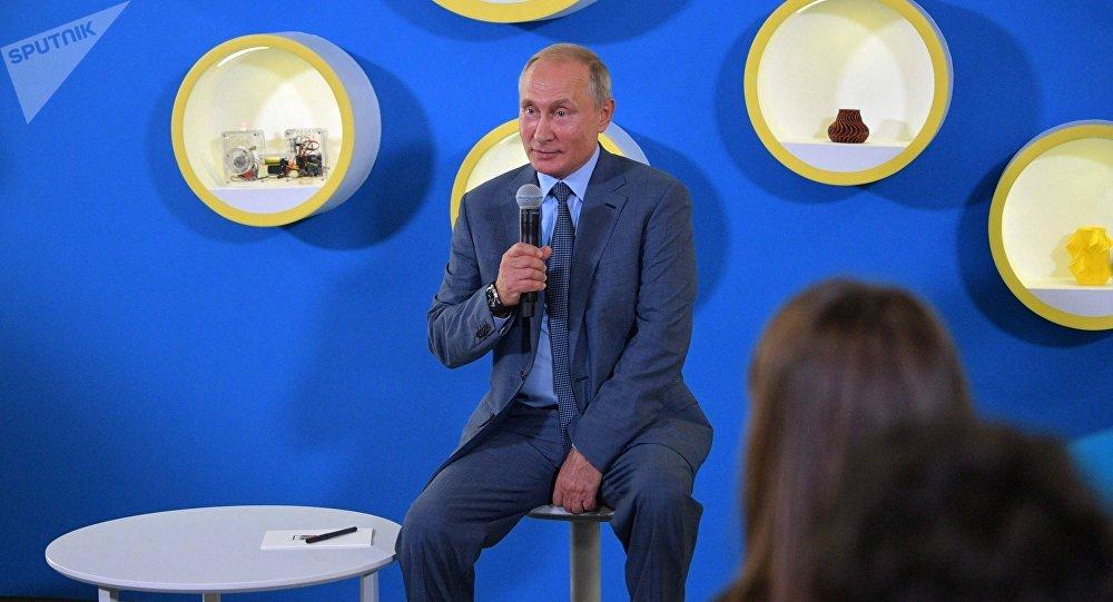 Путин жил вколодце ине думал опрезидентстве