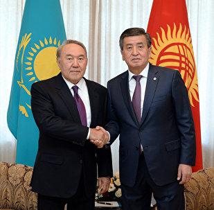 Президент КР Сооронбай Жээнбеков встретился с главной Казахстана Нурсултаном Назарбаевым, прибывшим в Кыргызстан для участия в заседании Саммита глав-государств Совета сотрудничества тюркоязычных государств