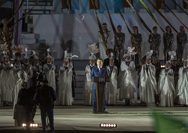 Президент Кыргызстана Сооронбай Жээнбеков выступает на церемонии открытия III Всемирных игр кочевников на ипподроме в Чолпон-Ате