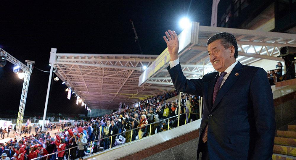Президент Сооронбай Жээнбековдун көчмөндөр оюндарында. Архивдик сүрөт