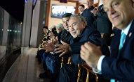 Президент КР Сооронбай Жээнбеков и президент Республики Казахстан Нурсултан Назарбаев на церемонии открытия Третьих Всемирных игр кочевников. Архивное фото