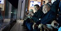 Президент КР Сооронбай Жээнбеков и президент Республики Казахстан Нурсултан Назарбаев на церемонии открытия III Всемирных игр кочевников в городе Чолпон-Ата Иссык-Кульской области. 2 сентября 2018 года