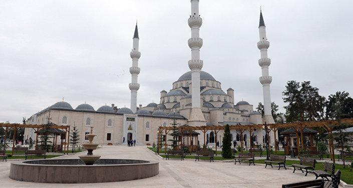 Центральная мечеть Бишкека. Архивное фото