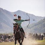 Конгорзул Батбаатар из Монголии занимается стрельбой из лука с шести лет