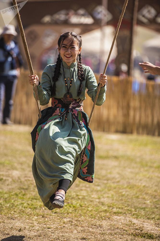 На III Всемирных играх кочевников много красивых девушек...