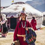 ...особенно в этногородке Кырчын, где прошел показ национальных нарядов от кыргызстанских дизайнеров