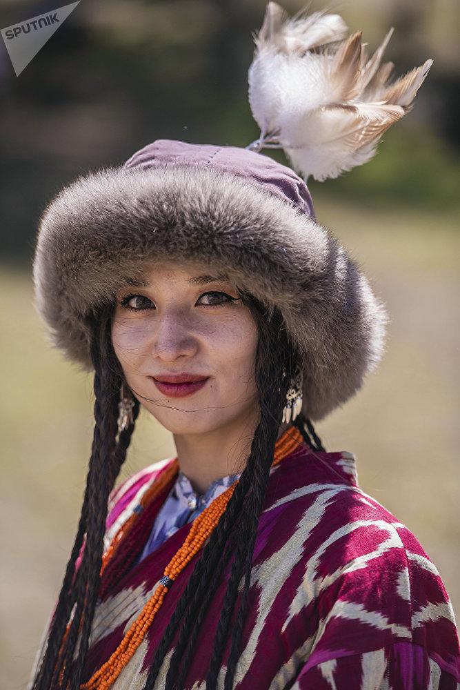 Мырзаим Рустамбекова удивила зрителей не только нарядом, но и своей красотой