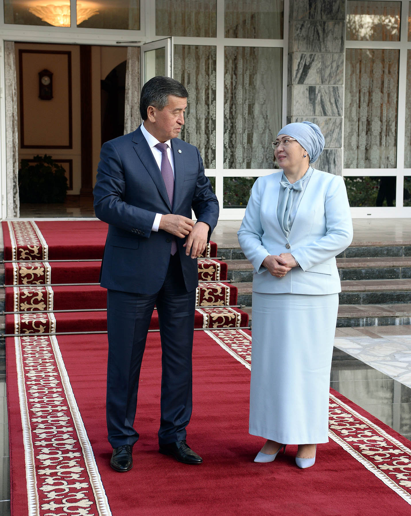 Президент Сооронбай Жээнбеков с супругой