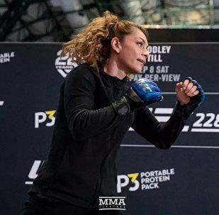 Американский боец UFC, чемпионка наилегчайшего женского веса Никко Монтано