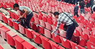 Япондордон кем калышпайт. Кыргыз футбол күйөрмандары стадионду тазалашты