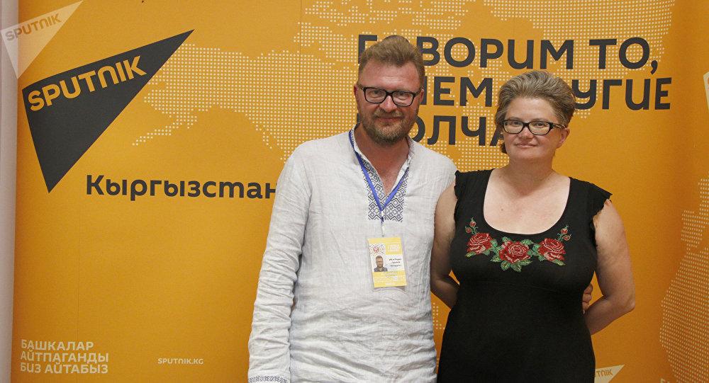 Продюсер Sputnik Беларусь Павел Антонов и старший выпускающий редактор Вероника Антонова-Тризно