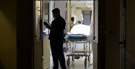 Врач в одном из отделений больницы. Архивное фото
