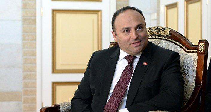 Посол Турции в Кыргызстане Женгиз Камиль Фырат. Архивное фото